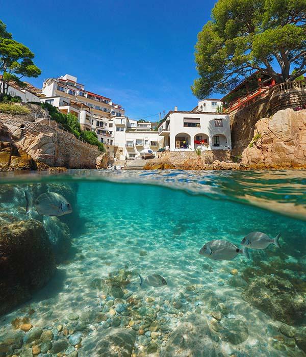 Taxi Palamós y Calonge, te lleva a descubrir las playas más impresionantes de la Costa Brava.